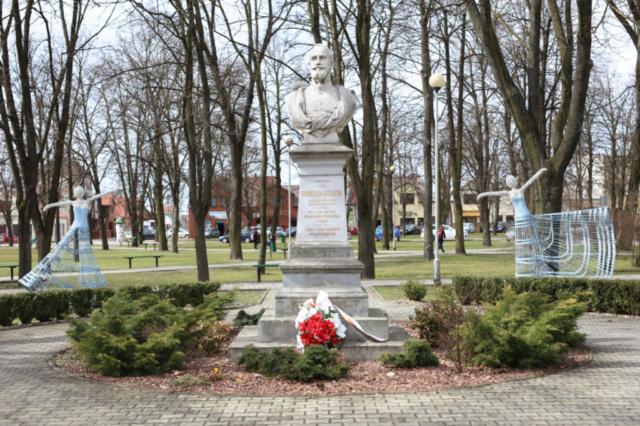 Pomnik Ferdynanda Hompesch'a